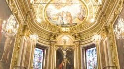Loano, chiesa di S.Giovanni. L'altare maggiore e la volta affrescata.