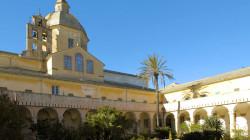 Loano, scorcio del chiostro del convento di Monte Carmelo.
