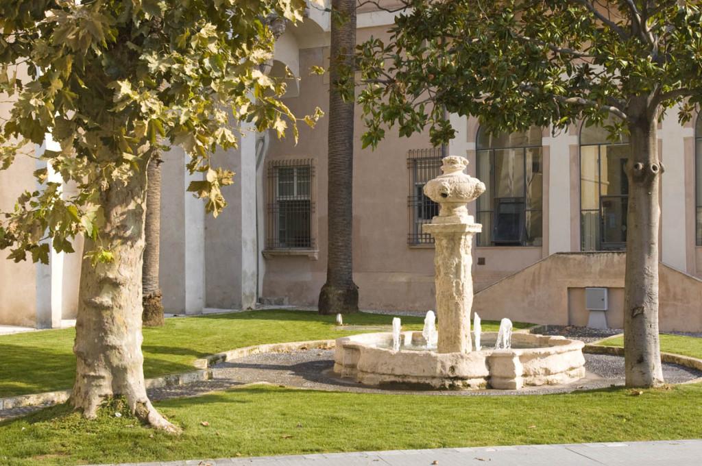 La fontana cinquecentesca loano for Fontane antiche